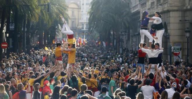 """Manifestación convocada por Acció Cultural del País Valencia (ACPV) con motivo del 25 d'Abril bajo el lema """"Fem País Valencia"""".- EFE/Kai Försterling"""