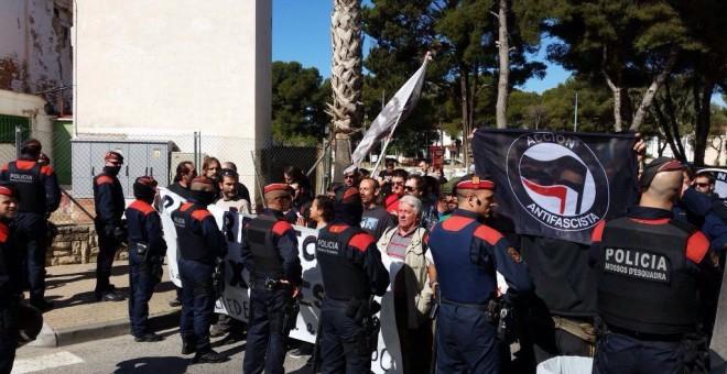 Manifestación antifascista frente al hotel que acogía la presentación de la plataforma Respeto.-UCFR/AIP-AGENCIA