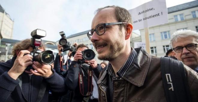 Antoine Deltour, el primer día del juicio por el caso LuxLeaks en Luxemburgo, 26 de abril de 2016.  EFE/Julien Warnand