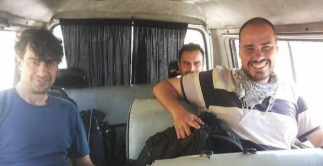 José Manuel López, Ángel Sastre y Antonio Pampliega, en Siria. FACEBOOK DE USAMA AJJAN