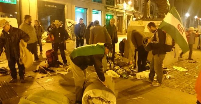 Imagen del desalojo de los miembros del Sindicato Andaluz de Trabajadores que piden el indulto para Andrés Bódalo. @SAT_nacional