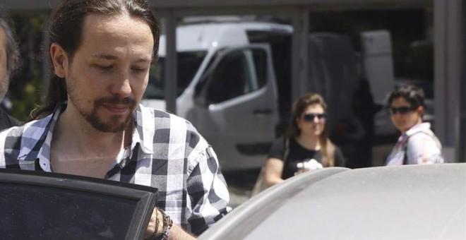 El líder de Podemos, Pablo Iglesias, a su salida del Teatro Goya de Madrid al día siguiente de las elecciones. EFE/J.J. Guillén