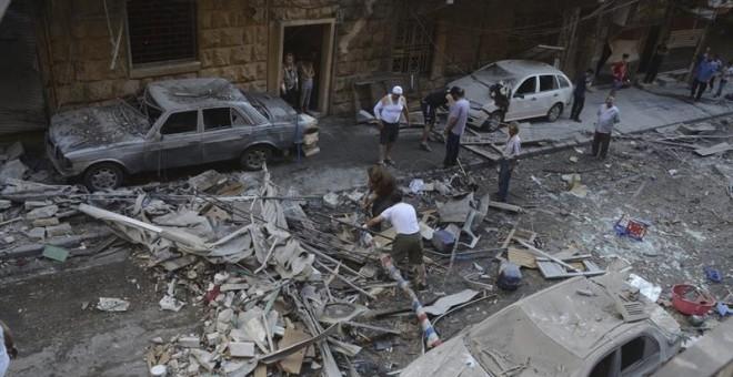 Ocho personas fallecieron y más de ochenta resultaron heridas por ataques a barrios residenciales de Alepo. / EFE