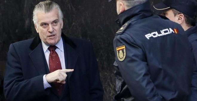 El extesorero del PP Luis Bárcenas en la entrada de la Audiencia Nacional.- EFE
