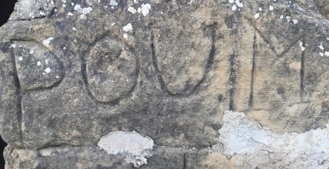 Inscripción en una piedra