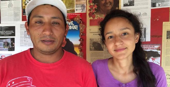 Bertha Zúñiga, hija de la asesinada Berta Cáceres, con el nuevo coordinador del COPINH, Tomás Gómez Membreño.