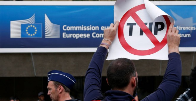 Manifestación contra el Transatlantic Trade and Investment Partnership (TTIP). REUTERS