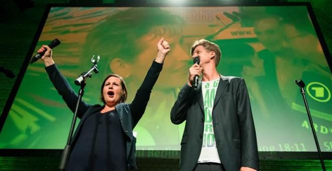 La candidata de la formación verde, Antje Kapek, celebra los buenos resultados en las elecciones regionales de Berlín.-EFE