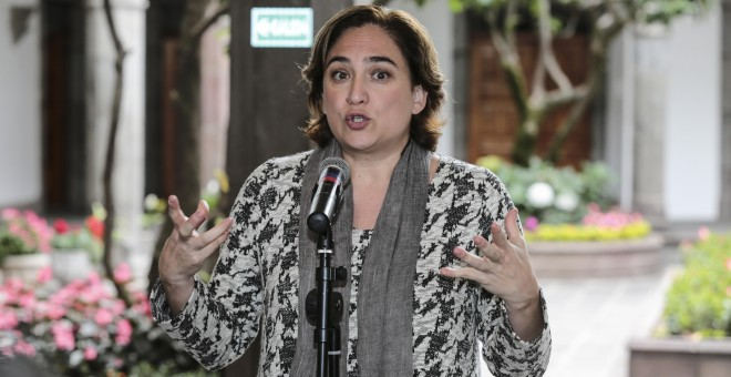 - La alcaldesa de Barcelona Ada Colau habla hoy, martes 18 de octubre de 2016, en una rueda de prensa en Quito (Ecuador), donde destacó lo que consideró avances de la conferencia de la ONU sobre desarrollo urbano Habitat III, como que los Estados y organi