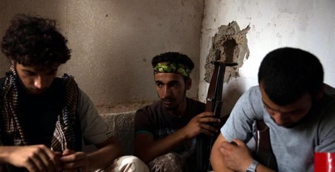 La guerra, el yihadismo y la emigración marcan Libia 5 años después de acabar con Gadafi / EFE
