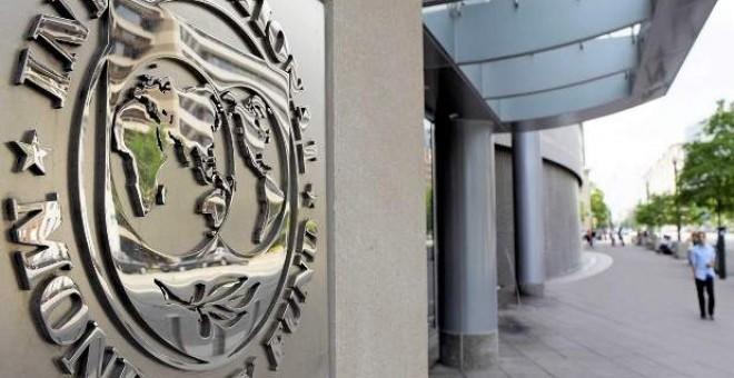 Los miembros del FMI que se encuentran en España finalizarán el informe anual cuando se forme el nuevo Gobierno. / EFE