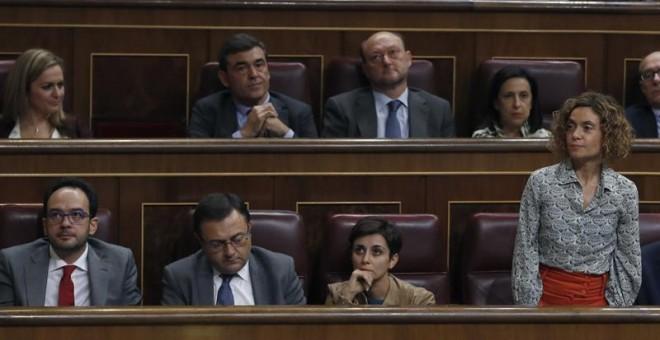 La portavoz adjunta del grupo socialista en el Congreso, Meritxell Batet, durante la votación en la sesión de la tarde de la segunda jornada del debate de investidura del candidato del PP, Mariano Rajoy, hoy en el Congreso. / EFE