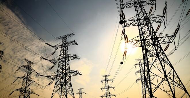 Las compañías eléctricas recibirán en los próximos años más de 400 millones de euros del Gobierno tras anular el Supremo el sistema de financiación del bono social.