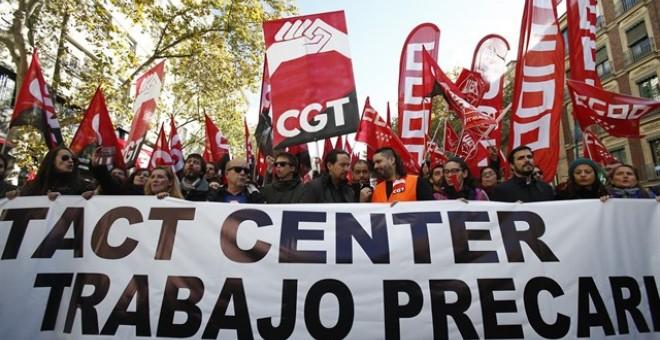 Cabecera de la manifestación en Madrid de los trabajadores de 'contact center', en la que participaron Pablo Iglesias, Íñigo Errejón y Alberto Garzón. E.P.