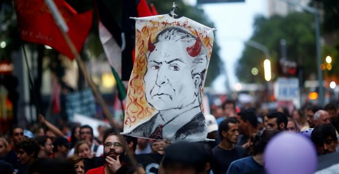 Una careta del presidente de Brasil, Michel Temer, durante una manifestación en Río de Janeiro. - REUTERS