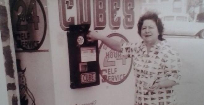 Gloria Fuertes durante su estancia en EEUU con una beca Fullbright, a principios de los 60