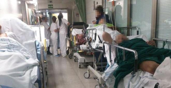 Camas en los pasillos de un hospital murciano.