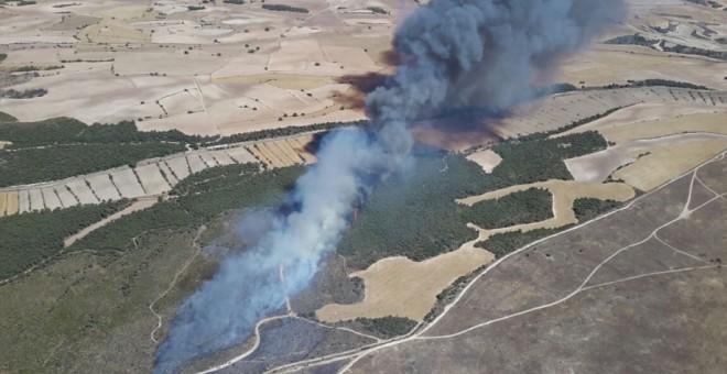 El último incendio registrado en el complejo militar provocó la quema de más de cien hectáreas de monte y cultivos fuera de su perímetro.