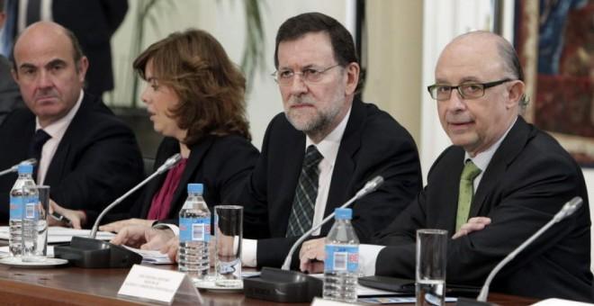Rajoy y su equipo económico han disparado la movilización de recursos  para mantener a flote a la banca desde su llegada al Gobierno.
