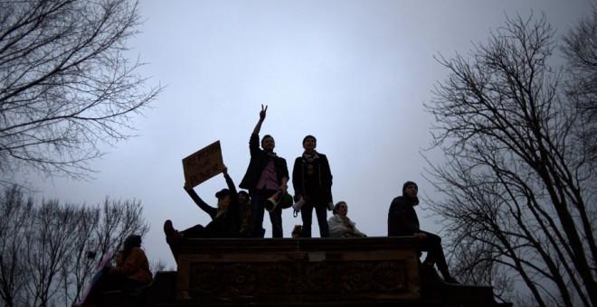 Un instante de la 'Marcha de las mujeres' a su paso por el centro de Washington.- EFE
