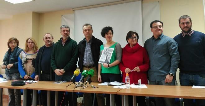 Miembros de la Plataforma Estatal por la Defensa de la Escuela Pública este jueves / EUROPA PRESS