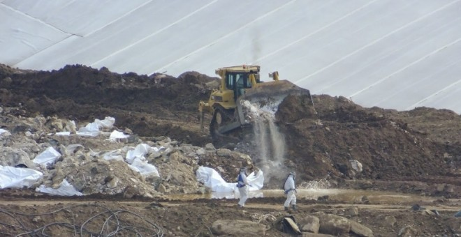 La única solución viable hasta ahora para el lindano era recluir sus residuos y esperar.