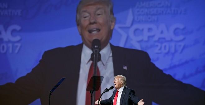 Donald Trump habla en la Conservative Political Action Conference, en Oxon Hill. /REUTERS