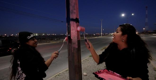 Activistas mexicanas se preparan para el Paro Internacional de Mujeres en Ciudad Juárez. REUTERS/Jose Luis Gonzalez