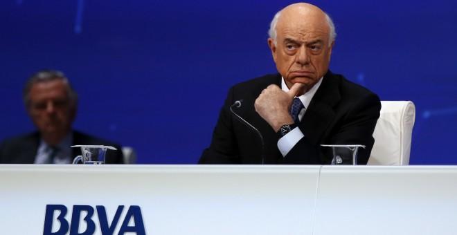 Junta de accionistas el presidente de bbva debemos for Bbva sevilla oficinas