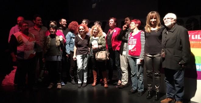 Algunos de los intervinientes en el acto homenaje a Shangay Lily.- JL