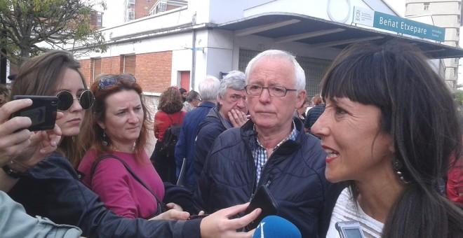 Miles de personas se han manifestado este sábado en Vitoria para reclamar la excarcelación de los presos de ETA con enfermedades grave.- EUROPA PRESS