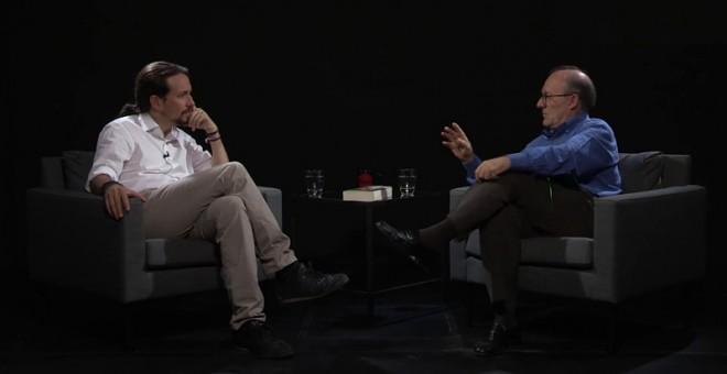 Un momento de la entrevista de Pablo Iglesias en 'Otra Vuelta de Tuerka' a José Luis Villacañas
