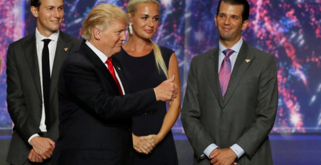 Donald Trump Jr., Vanessa Haydon, Jared Kushner y Donald Trump / REUTERS