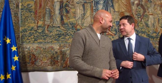 El presidente de Castilla-La Mancha, Emiliano García-Page, y el secretario general de Podemos en la región, José García Molina, en rueda de prensa /EUROPA PRESS