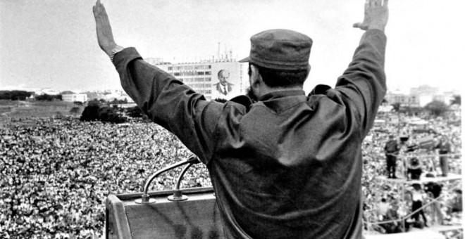 Fidel Castro en un mitin para el pueblo cubano