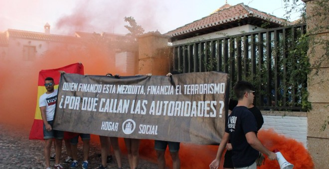 Neonazis del Hogar Social atacan la Mezquita de Granada./Twitter