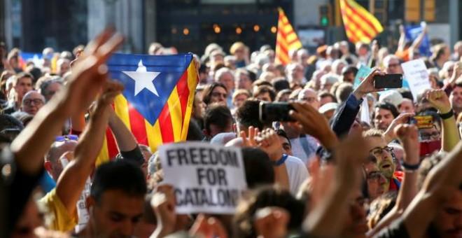 La protesta ante la sede de EconomÍa / Albert Gea - REUTERS