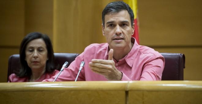 El secretario general del PSOE, Pedro Sánchez, preside en el Senado la reunión del grupo parlamentario socialista, que congrega en la Cámara Alta a diputados, senadores y europarlamentarios de esta formación. EFE/Luca Piergiovanni