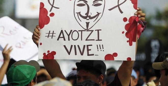 En las familias hay dolor por las desapariciones de los 43, pero también enfado por los 'engaños' y la 'burla' que, consideran, les ha brindado el Gobierno / REUTERS
