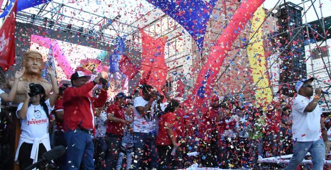 Un momento del cierre de campaña de García Carneiro, candidato a la reelección como gobernador del Estado de Vargas, en La Guaira. CEB