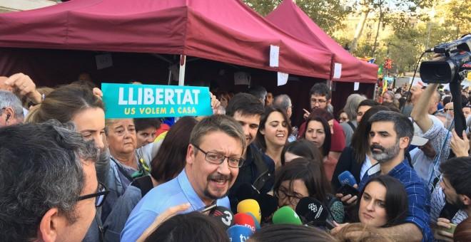 El coordinador de CatComú y portavoz de En Comú Podem en el Congreso, Xavier Domènech en la manifestación de Taula per la Democràcia para pedir la liberación de los presidentes de ANC y Òmnium Cultural, Jordi Sànchez y Jordi Cuixart./EUROPA PRESS