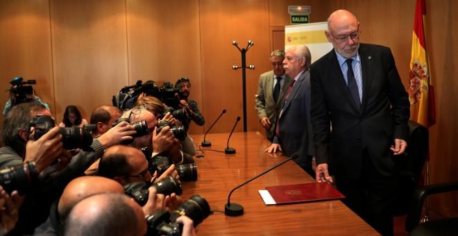 El fiscal general del Estado, Jose Manuel Maza, antes de su comparecencia para anunciar las querellas contra el Govern y la mesa del Parlament. REUTERS/Susana Vera
