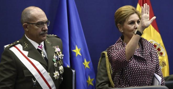 La ministra de Defensa, María Dolores de Cospedal, junto al Jefe del Estado Mayor de la Defensa (Jemad), el general Fernando Alejandre Martínez. EFE