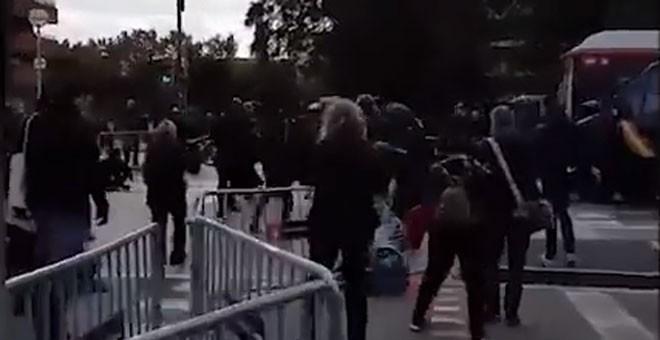 Así cargó la Policía Nacional contra un piquete en Barcelona.