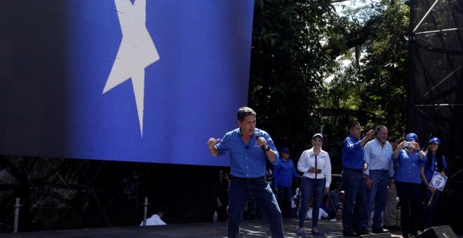 El presidente de Honduras y candidato del Partido Nacional, Juan Orlando Hernandez, en un mitin en Tegucigalpa. REUTERS/Jorge Cabrera