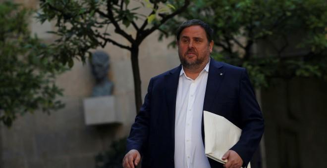 Foto de archivo del vicepresidente cesado de la Generalitat, Oriol Junqueras, a su llegada a una reunón del Govern el pasado septiembre. REUTERS/Jon Nazca