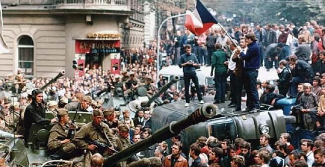 Entrada de las tropas soviéticas a la ciudad de Praga