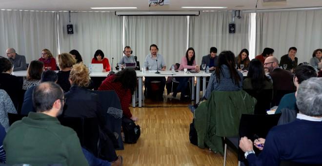 El secretario general de Podemos, Pablo Iglesias, durante el Consejo Ciudadano de la formación morada que se reúne esta mañana para fijar objetivos de cara al curso político. EFE/ J.J.Guillen