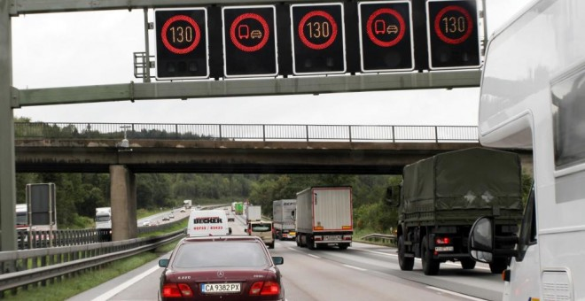 Una sentencia desacredita a la DGT: es ilegal multar o restar puntos sin saber quién conduce