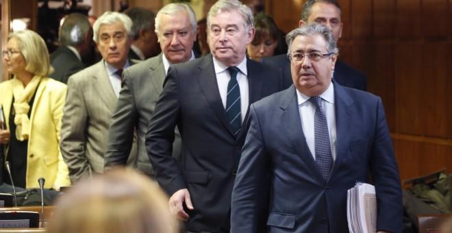 El ministro del Interior Juan Ignacio Zoido a su llegada a la Comisión de Interior del Senado, para explicar el operativo policial que se llevó a cabo en Catalunya desde el referéndum del 1 de octubre. EFE/JAVIER LIZÓN